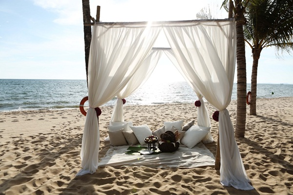 The small scenery in the outside of Salinda Phu Quoc Island Resort and Spa-where stay in Mekong delta
